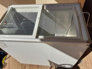 Deep freezer for Sale in New Caney, TX