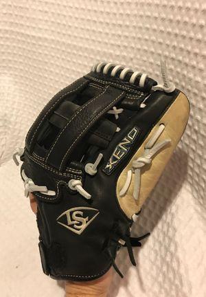 Baseball glove for Sale in Park Ridge, IL
