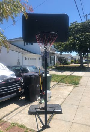 Basketball hoop very easy to adjust heights and also easy to move for Sale in San Leandro, CA