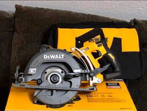 FLEXVOLT 60-Volt MAX Lithium-Ion Cordless Brushless 7-1/4 in. Wormdrive Style Circular Saw (Tool-Only) for Sale in Azusa, CA
