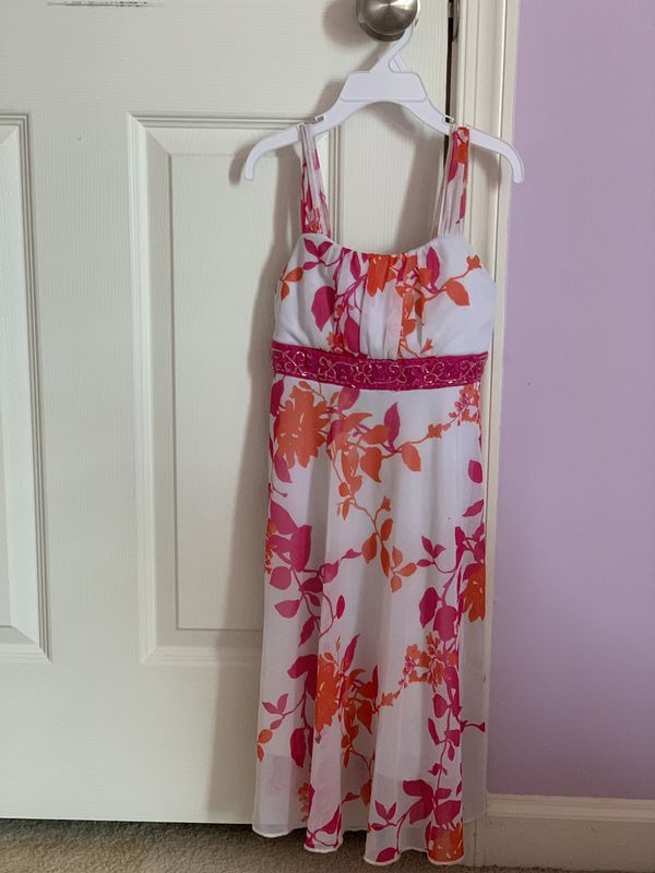 Branded clothing (dresses & jacket) of sizes 6 to 8