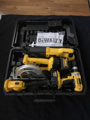 Dewalt xrp 18v 4 tool set with hard case. drill/driver/hammer drill (like new) for Sale in Mount Hope, WV