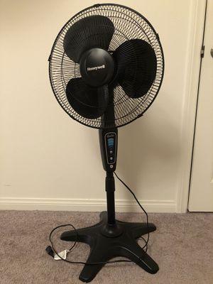 Fan for Sale in Ontario, CA