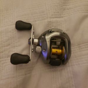 Shimano Curado 201DHSV Baitcasting Reel (Left Handed) for Sale in Schaumburg, IL