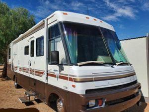 Winnebago Adventurer 35WQ - only 44k miles. Runs perfect. for Sale in Tempe, AZ
