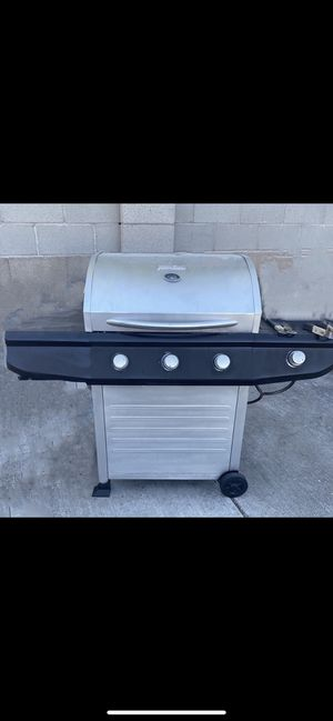 GAS GRILL WITH SIDE BURNER! for Sale in Albuquerque, NM