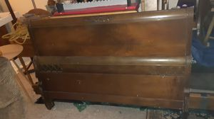 Full size wood bedframe for Sale in Newark, OH