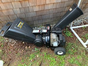 Chipper, 10hp Yard Machines, MTD, Briggs & Stratton motor for Sale in Des Moines, WA