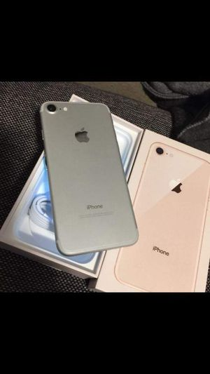"""iPhone 7 32GB,,factory UNLOCKED excellent CONDITION """"aS liKE neW"""" for Sale in Springfield, VA"""