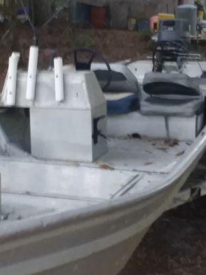 1979 Fishermarine boat 25hp Yamaha runs good needs a water pump for Sale in Kiln, MS