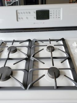 Maytag Gas Range With Dual Ovens for Sale in Boring,  OR