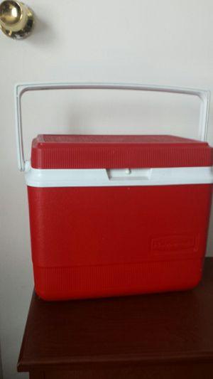 Rubbermaid Cooler for Sale in Fairfax, VA