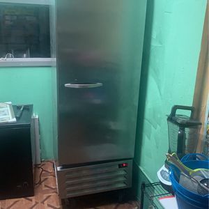 Commercial refrigerator for Sale in The Bronx, NY