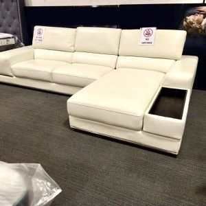 NEW LUXURY LEATHER SECTIONAL SOFA IN WHITE WITH RECLINER BACKREST for Sale in Dallas, TX