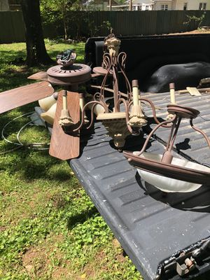 2 Ceiling fans, 1 chandelier, 1 accent light for Sale in Murfreesboro, TN