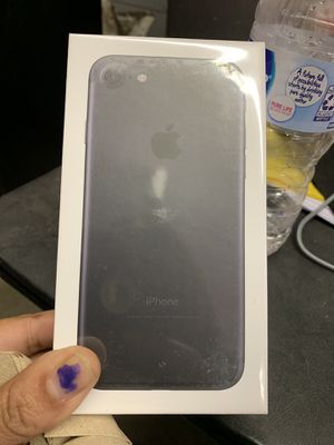 iPhone 7 32 gb only sprint and boost !!! for Sale in Cleveland, OH