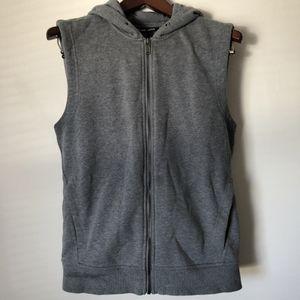 Michael Kors Men's Sz M Grey Vest for Sale in Chicago, IL
