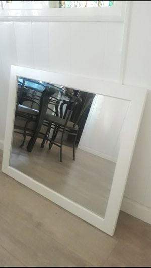 """Bathroom Wall Mirror 32""""×26 1/2"""" tall for Sale in Montclair, CA"""