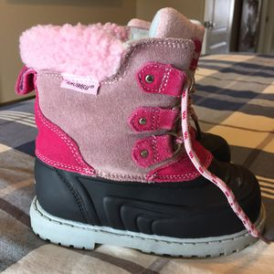 Kids size 9 Khombu Snow boots, warm & waterproof for Sale in Chandler, AZ