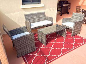 Gray wicker patio set - 4 piece outdoor furniture set with cushions for Sale in Pompano Beach, FL
