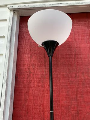 2 floor lamps available $10 each for Sale in Georgetown, SC
