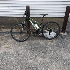 Mid Sized Mountain Bike for Sale in Manchester, NH