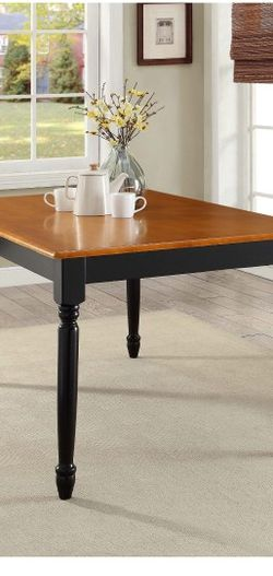 Dining Table for Sale in Willoughby,  OH