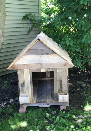 Pallet Built Dog House for Sale in Fairview Park, OH