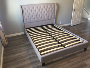 Queen Size Bed Frame, Fully Slated NO BOX SPRING REQUIRED, Light Gray for Sale in Santa Ana, CA