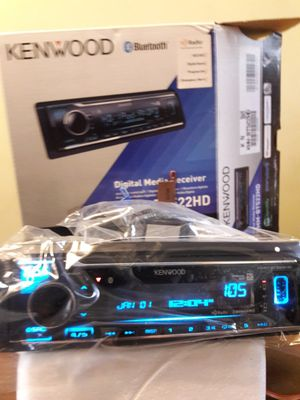 Built-in HD RADIO media player for Sale in Los Angeles, CA