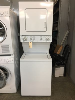"Kenmore 24"" stackable washer and dryer for Sale in Pompano Beach, FL"