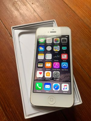Apple iPhone 5 32GB AT&T Phone Only W/ Original Box for Sale in Cranston, RI