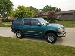 98 Ford Expedition XLT for Sale in Taylor, MI