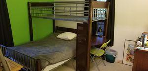 Room To Go Kids bunk beds w/desk. for Sale in Saint Petersburg, FL