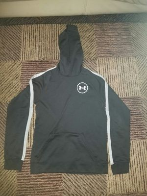 Under Armour Tracksuit (youth) for Sale in Hanover Park, IL