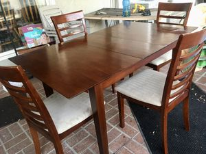Dining table w/4 chairs with self contained leaf for Sale in La Habra, CA