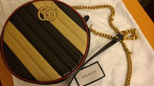 (NEW/Authentic)Gucci Strips round crossbody bag for Sale in Buena Park, CA