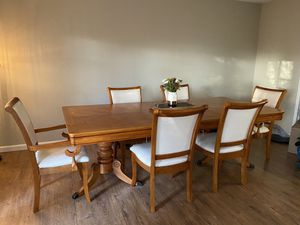 Dinning room table and 6 chairs for Sale in Fairfield, CA