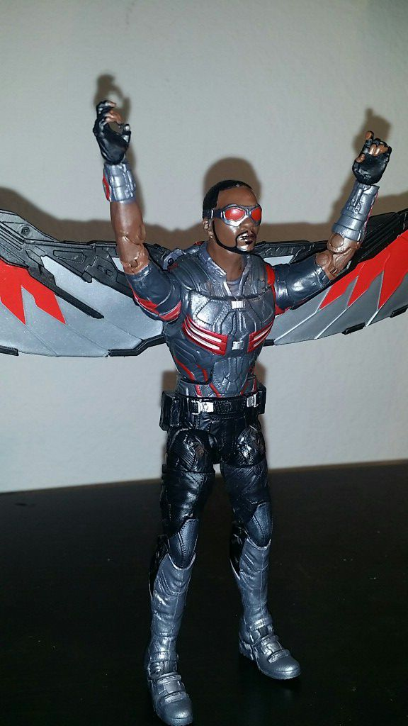 Marvel legends falcon