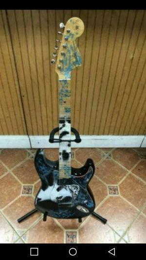 Fender Stratocaster GUITAR for Sale in Pompano Beach, FL