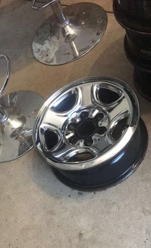 """16"""" Chevy 6 lug rims on good tires for Sale in Sunbury, OH"""