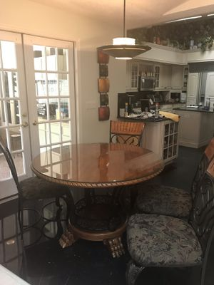 Kitchen/dining table with 4 chairs for Sale in Tarpon Springs, FL