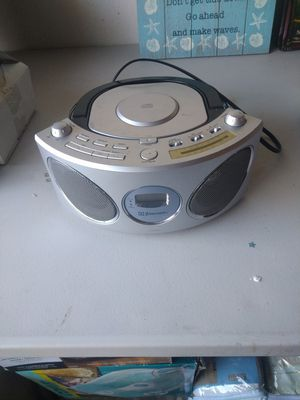 Emerson CD Radio In like new condition for Sale in Tampa, FL