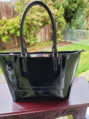 GUESS tote bag for Sale in Everett, WA