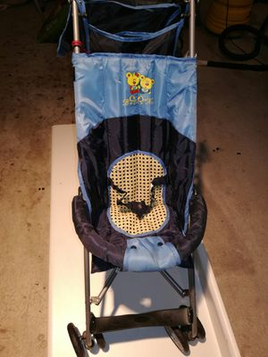 Light wt. Umbells Foldabl stroller for Sale in Toms River, NJ