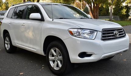 Perfectly Condition 2008 Toyota Highlander AWDWheels💎tgrfdesx for Sale in Cleveland,  OH