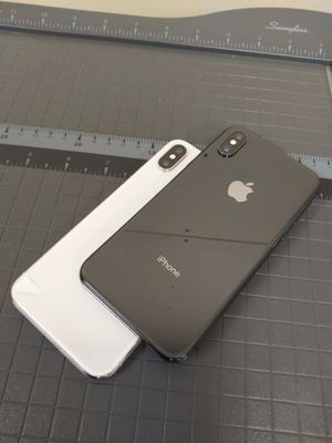 Apple iPhone XS Unlocked for Sale in Tacoma, WA