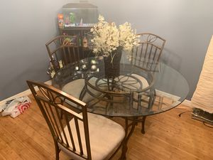 Kitchen table with 4 chairs for Sale in Miramar, FL