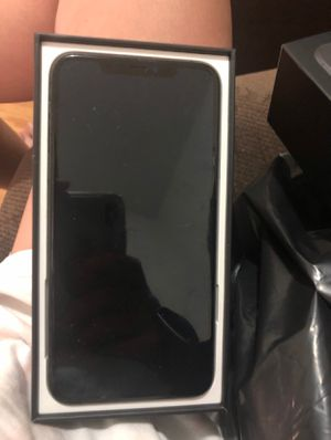 iPhone 11 pro Max for Sale in Newton, AL