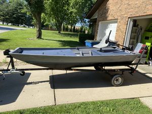 12ft Jon Boat and trailer for Sale in Swansea, IL